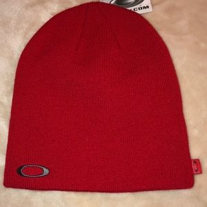 """Oakley """"Red Line"""" Beanie (New)"""